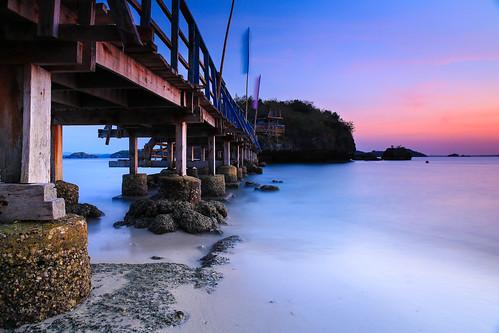longexposure bridge seascape lines landscape island rocks dusk philippines pangasinan alaminos hundredislands twilght quezonisland hundredislandsnationalpark lingayengulf canonef2470mmf28liiusm singhraylbwarmingpolarizer canoneos5dmarkiii richardamar leesoftndgradfilter lee12ndfilter canongpsreceivergpe2