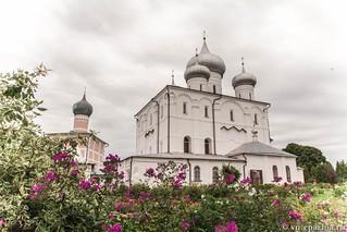 Литургия в Хутынском монастыре 45