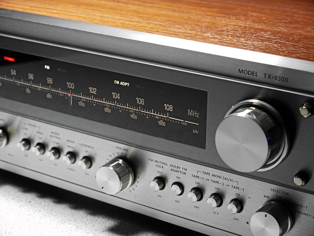 ONKYO TX 8500 Stereo Receiver | 1978 In 1978 ONKYO built the