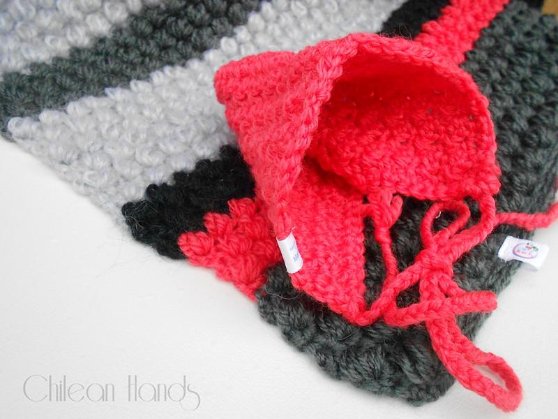 gloves and crochet hooks 018