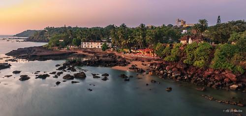 Dona Paula Beach at Sunset | by AboRa3d