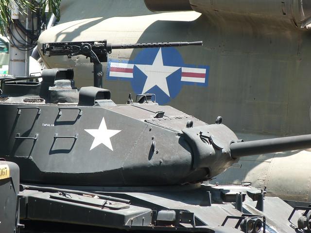 Carros de combate en Vietnam