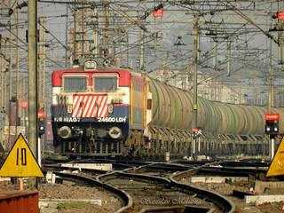 BHEL built WAG7 of Ludhiana shed with a BTPN rake in Juhi yard in Kanpur