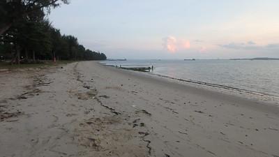 Narrow intertidal shore at Changi