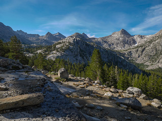 Looking up at Evolution Valley from just above the JMT | by snackronym