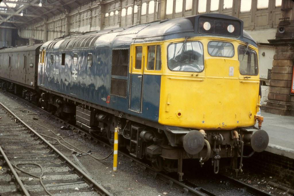 RS2344 27029 EDINBURGH WAVERLEY FRI 08.07.1983