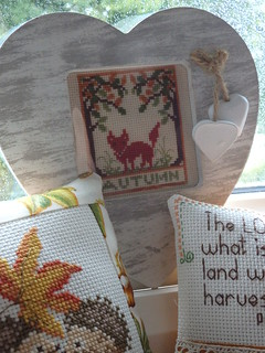 Little Autumnal Fox Stitchery