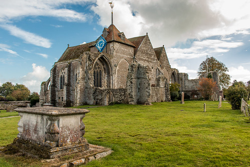 church winchelsea sussex england stthomasthemartyr gradeilisted architecture building churchyard clock tower ruins outdoor