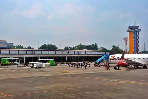 building gedung airportterminal terminalbandara jakarta architecture arsitektur