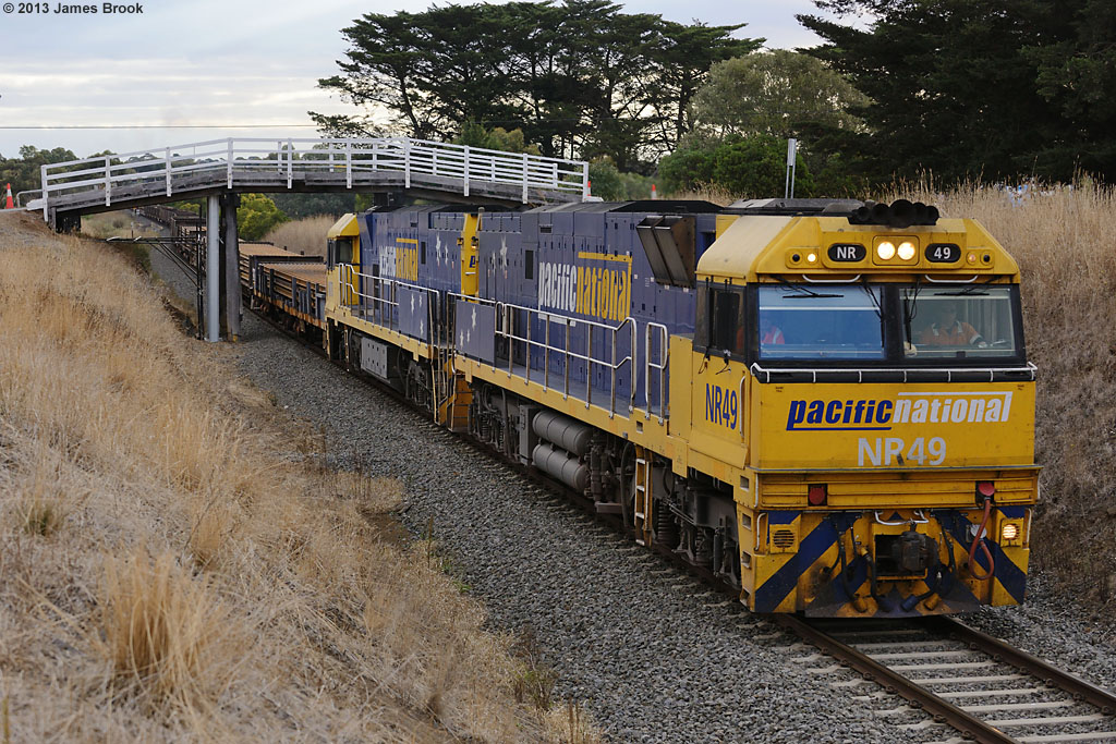 NR49 and NR78 at Inverleigh with 4PW4 by James Brook