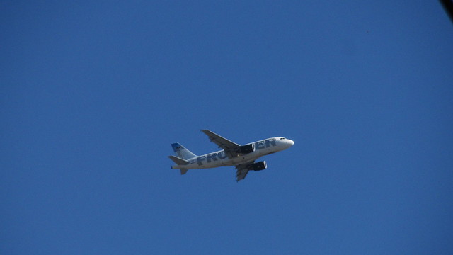 IMG_9165 frontier jet out of sba airport