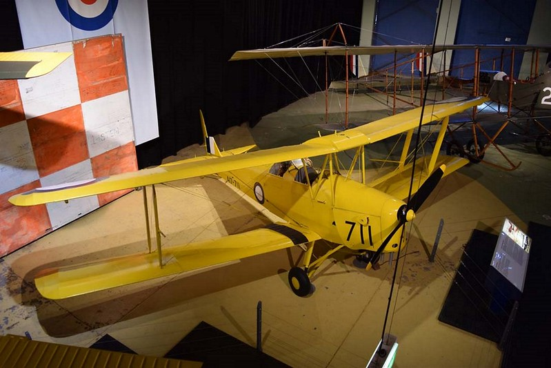 de Havilland DH.82 Tiger Moth 1
