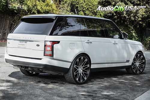 "2015 Range Rover HSE Supercharged on 24"" Road Force Wheels RF24 Black Machine 