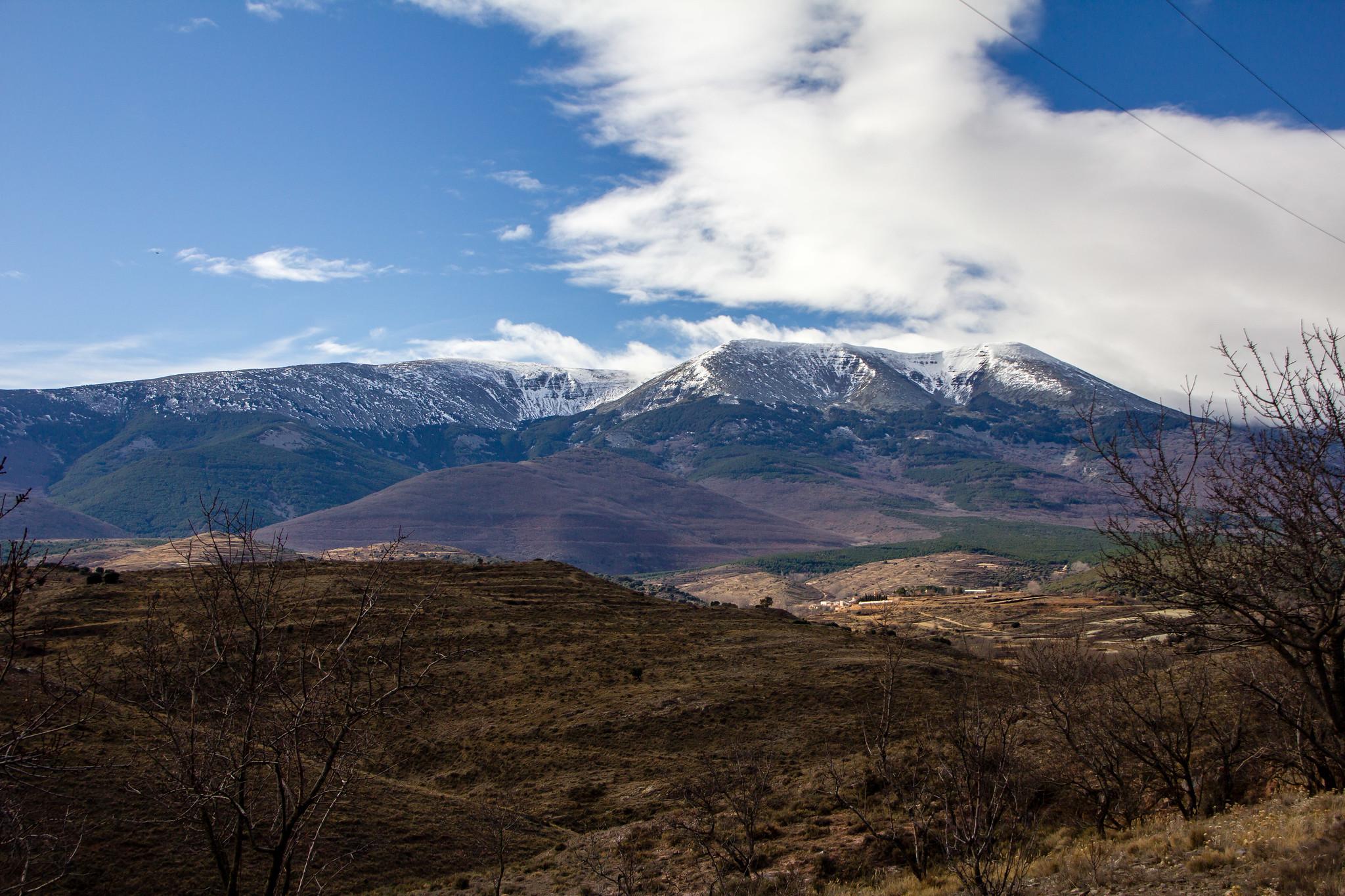 El Moncayo montaña del Sistema Iberico desde Trasmoz Zaragoza