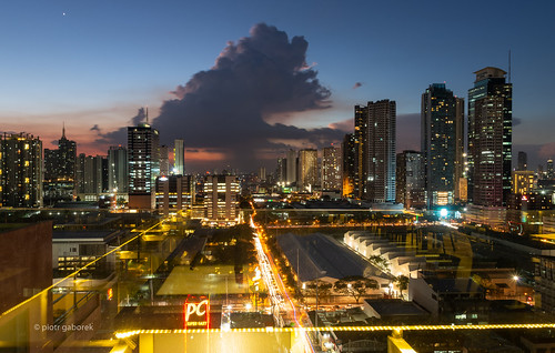 kapitolyo manila barangay city night sunset evening twilight modern architecture skyline skyscrapers buildings cityscape cloud lights philippines luzon capital asia asian southeast pietkagab photography pentax pentaxk5ii piotrgaborek travel trip tourism sightseeing adventure