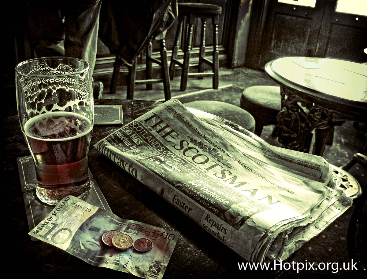 Edinburgh,city,Scotland,new,town,newtown,pub,kay,kays,bar,tenner,tn,pound,note,scottish,bank,BOS,Scotsman,mono,selective,color,colour,colours,pint,ale,beer,inside,tony,smith,drink,drinks,drinking,historic,bars,UK,GB,tourist,places,visit,cool,iconic,sepia,toned,black,white,bankofscotland,notes,banknotes
