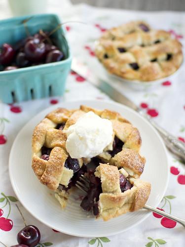 cherry & pimms pie   by spicyicecream