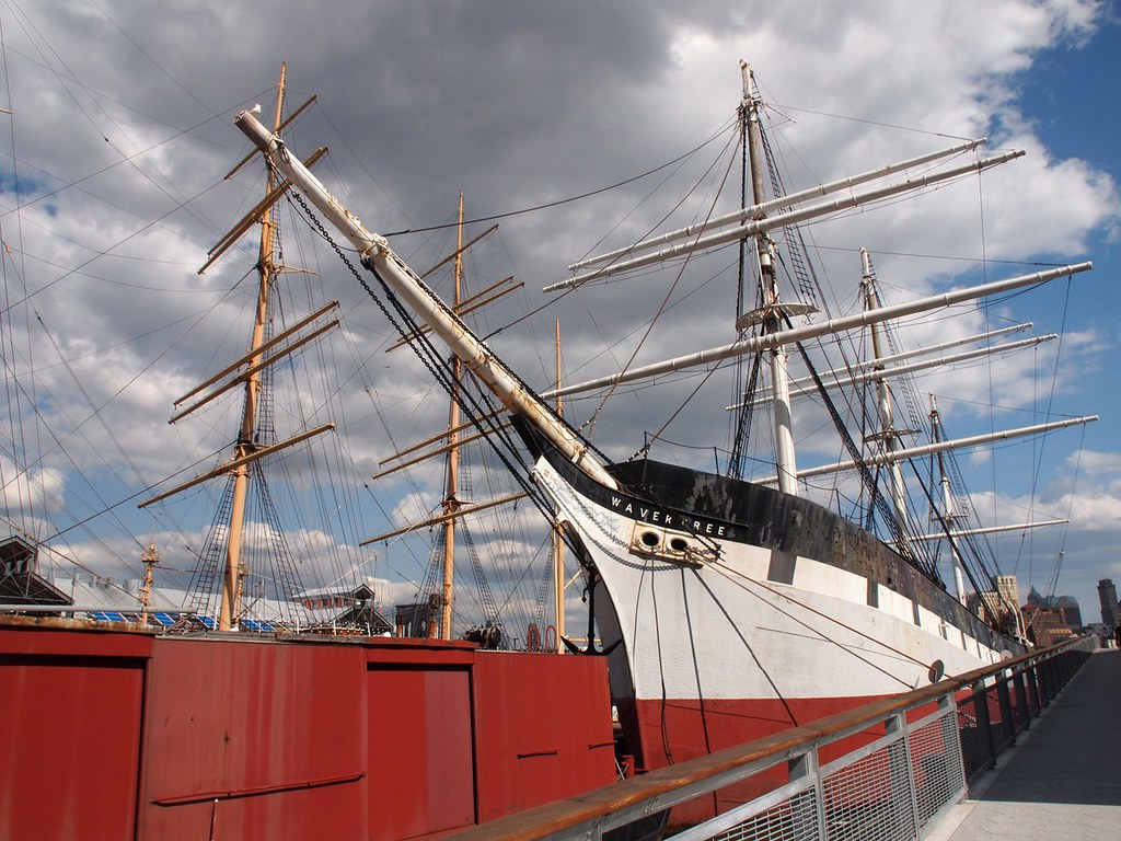 Old Wavertree at Pier 17 (New York, USA 2012)