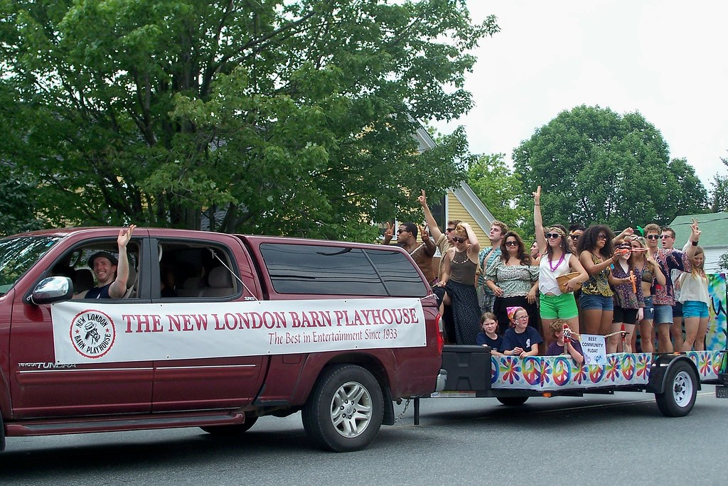 Cast Of Hair New London Barn Playhouse Nlhd Parade 4 Au Flickr