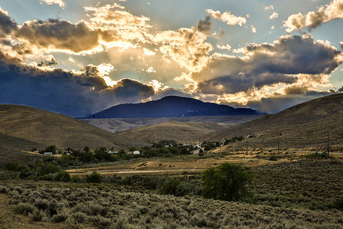 montana bearcreek searthoothmountains coalmines coaltown miningtown ghosttown clouds cloudscape hills landscape sun sunset wyojones np