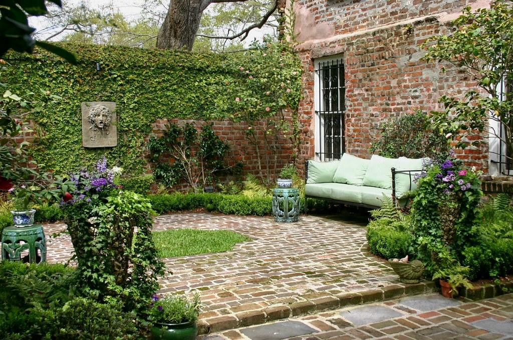 Historic Charleston Courtyard Garden Glengardnerla Flickr