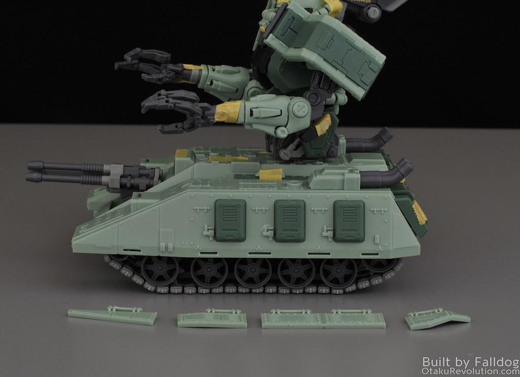 Motor King - 1-100 Zaku Tank Review 2