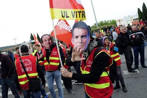 圖08.法國7家工會因不滿政府強制通過的勞工法改革,在17日開始全國罷工,要求政府撤回新勞工改革法案。