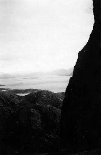 Fra Torghatten -  Die Torghattenhöhle