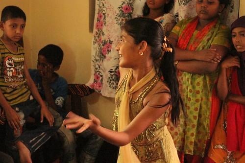 dancing dancer bangladesh bangla traditionaldress bengali traditionaldance younggirldancing lpelegance