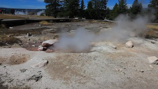 Hot Pot, Yellowstone Park, Wyoming, USA