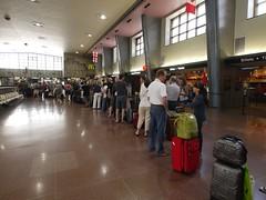 日, 2012-07-29 12:37 - 電車を待つ行列