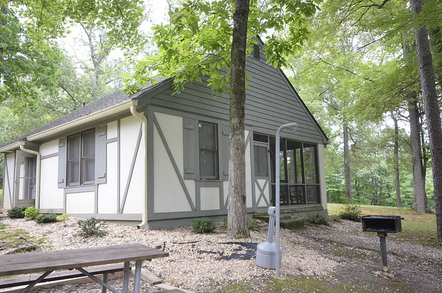 Cabins at Twin Lakes State Park