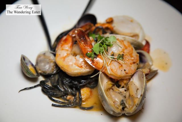 Black linguine, clams, shrimp, lobster, cockles, beurre blanc