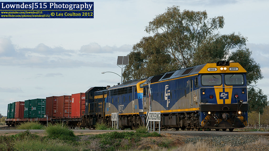 G515, B80 & T395 at Deniliquin by LowndesJ515