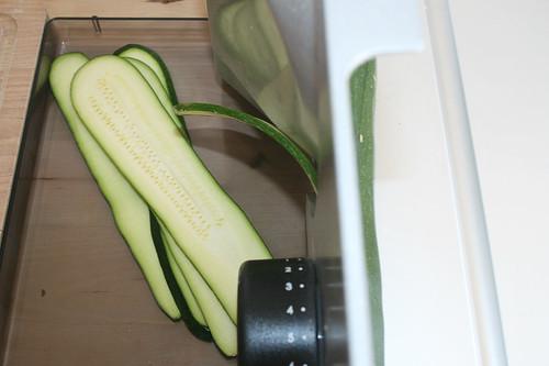 14 - Zucchini schneiden / Cut zucchini | by JaBB