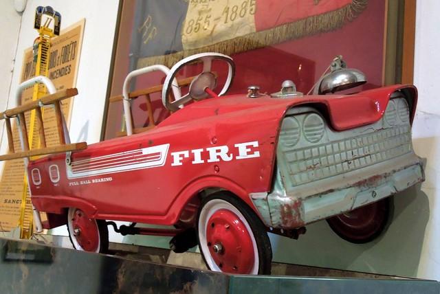 Voiture de Pompiers  à pédales U.S. (MURRAY)