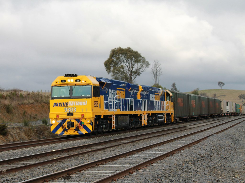 9303-9304 Through Wandong by S312 Photography