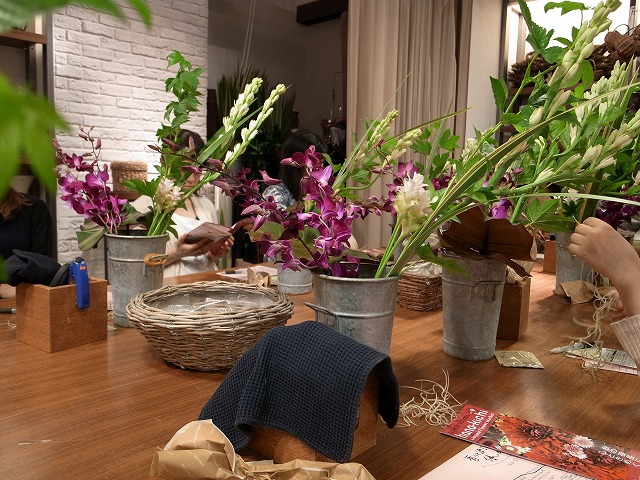 <p>a)今日のブーケに使うお花です</p>