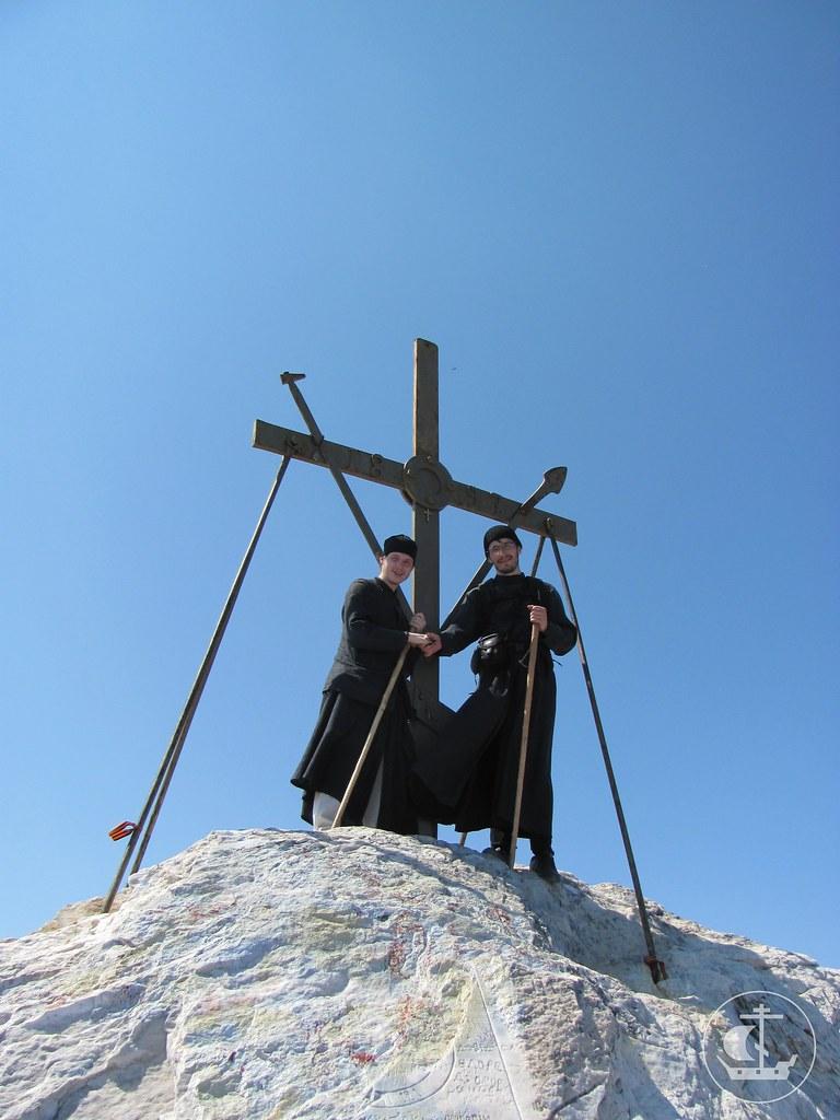 Крест на вершине Святой Горы
