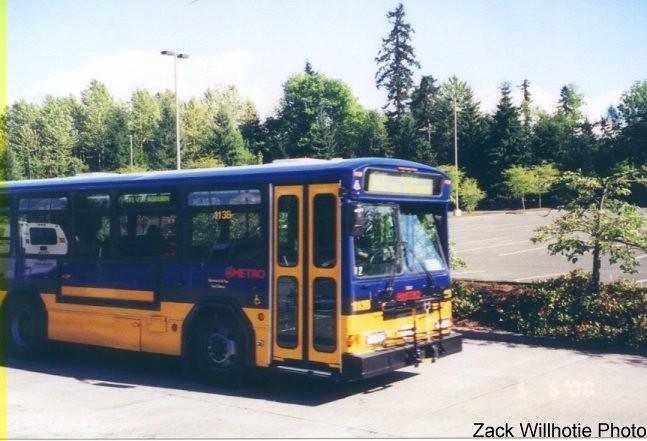 1999-2000 Gillig C18A096N4 Phantom #1138