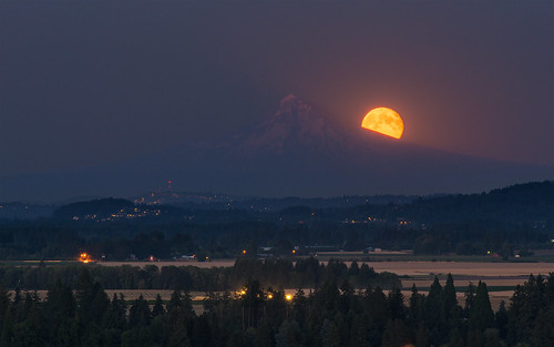 summer oregon twilight nikon august moonrise mthood bluehour cornelius 2012 d800 tpe tualatinvalley bloominghill photographersephemeris