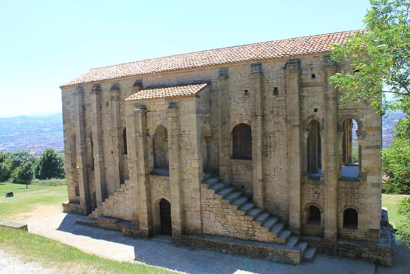 Santa María del Naranco-lado norte-001