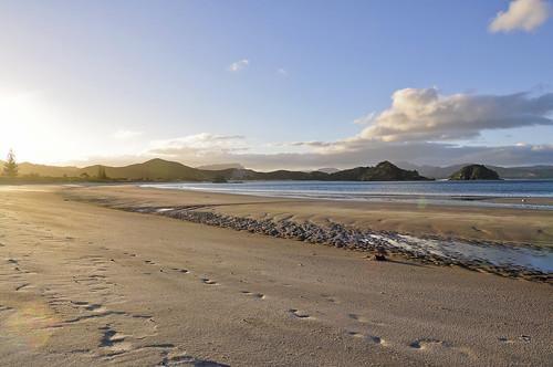 sunset newzealand beach strand landscape nikon tokina paysage landschaft plage coucherdesoleil neuseeland randonnée greatbarrierisland d90 nouvellezélande ilenord
