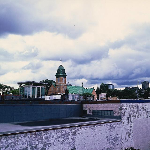 Un petit matin à gros nuages