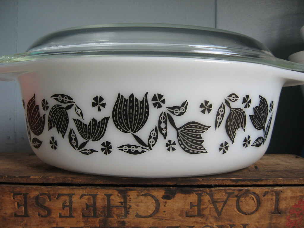 Pyrex 1957 Black Tulip 043 Casserole Another Great Find F Flickr