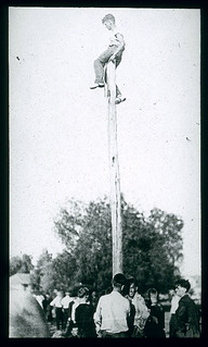 Pole Rush competition in 1914