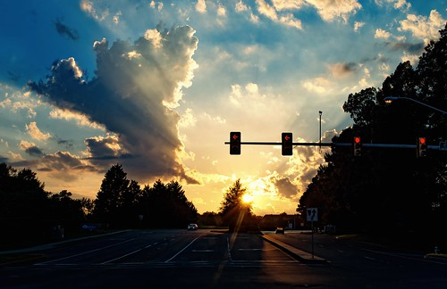 light sunset red summer sky sun afternoon traffic late arrow rays