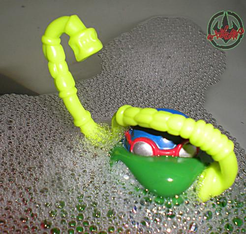 """TURTLE GAMES"" TEENAGE MUTANT NINJA TURTLES :: SUPER-SWIMMIN' RAPH xv / Sewer Snorkel (( 1992 ))   by tOkKa"