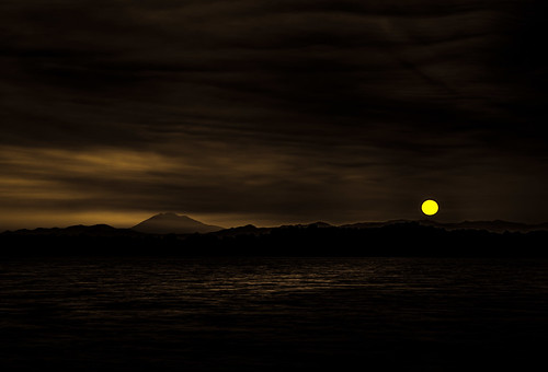 lake dark landscape dawn moody rainier vista sauvie