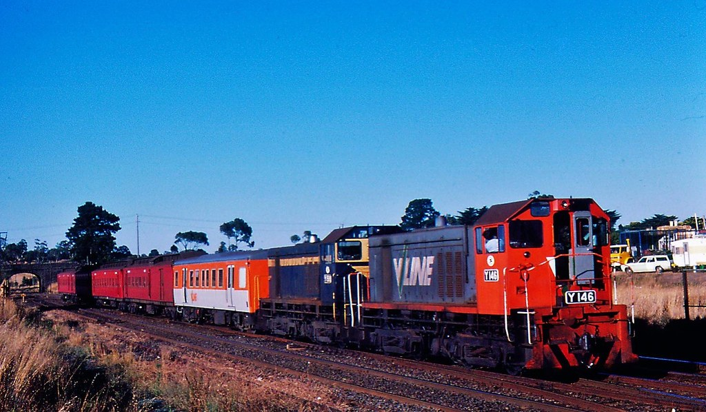 Y146 and Y158  stabled at Sunbury Victoria by Rodney S300